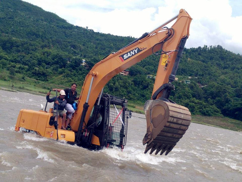 sany excavator working in the water.jpg