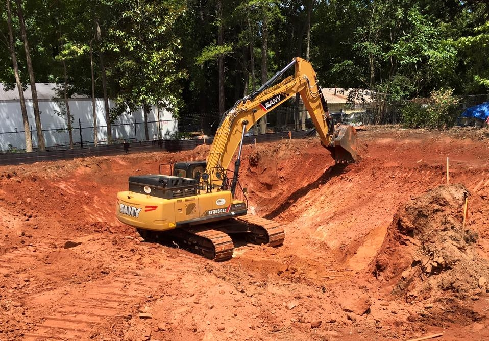 Excavator attachments specials: maintaining tips for rotary turntable