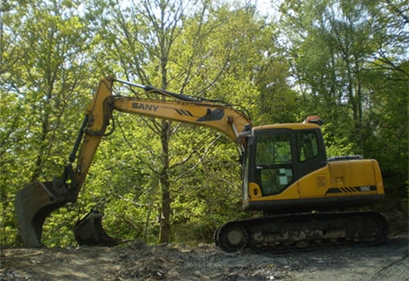 SY135C in earthmoving project of mountain area