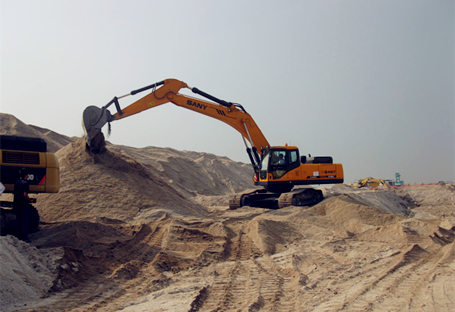 SY365C used in sea reclamation project