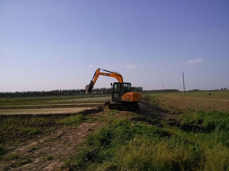 SANY SY75C used in the farmland maintaining project.jpg