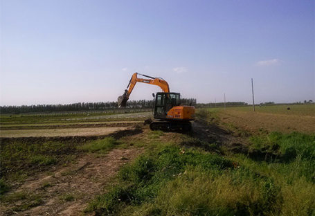SANY SY75C used in the farmland maintaining project