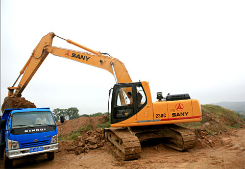 SANY SY235C excavators used in Ganzhou national development zone