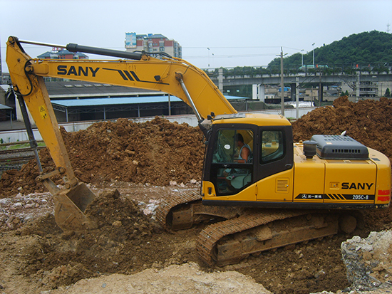 SANY SY205C excavators used in the construction of Beijing-Shanghai express railway