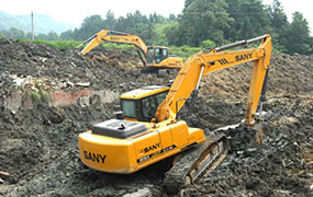 SANY SY135C excavators used in the construction of Huitang hot spring resort hotel