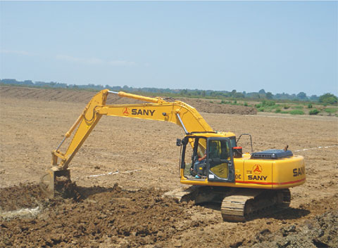 SANY SY210 excavators used in infrastructure construction of Ecuador