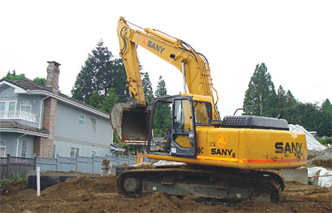 SANY SY220C excavators used in Canadian residential houses construction