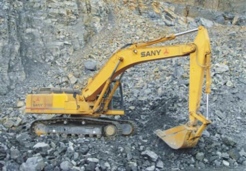 SANY SY210C5 excavators used in iron ore mining in Brazil