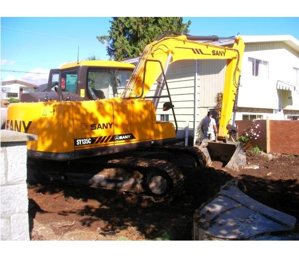 SANY small digging equipment 13.5 ton SY135C excavator used in earthmoving project in Australia