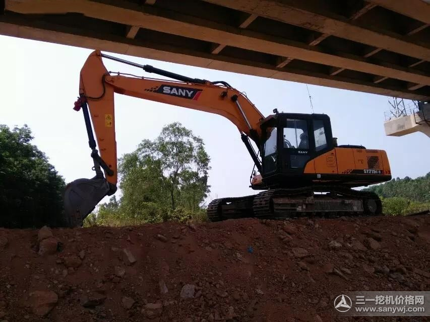 SANY 21.5 ton medium excavator SY215C used in high speed railway construction