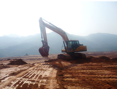 SANY SY365H excavator used in factory building construction