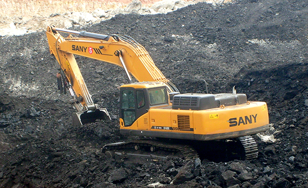 SANY SY420 excavators used in coal mining project in Lanzhou