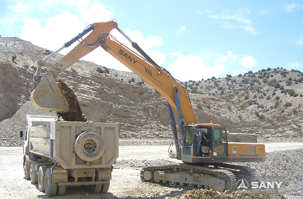 SANY SY365C large excavators used in phosphate rock mining in Morocco