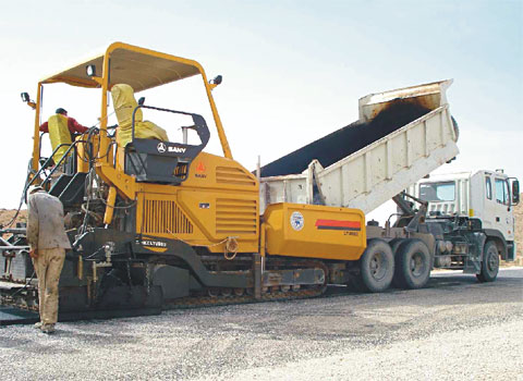 SANY SY305H excavators used in Algerian highway construction