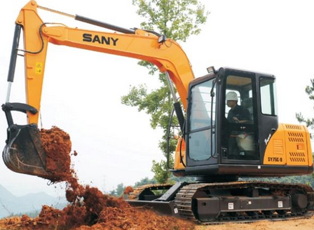SANY small digger 7.5 ton SY75C used in residential house construction in Townsville, Australia