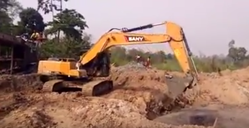 SANY 21 ton excavator SY210C-9 used in an Africa's gold mine project