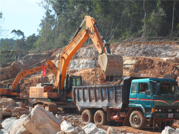 SANY 23.5 ton medium excavator SY235C used in the construction of hydropower dam in Cambodia