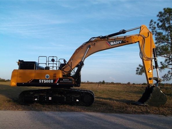 SANY large excavator show higher performance